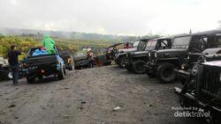 Keseruan dTraveler Saat Naik Jeep Keliling Lereng Merapi