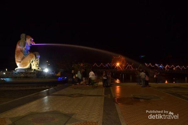 Patung Bekantan, Destinasi Wisata Malam Yang Baru Di Banjarmasin