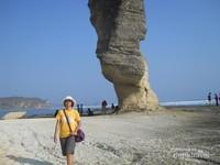 Batu Payung Nan Unik di Lombok