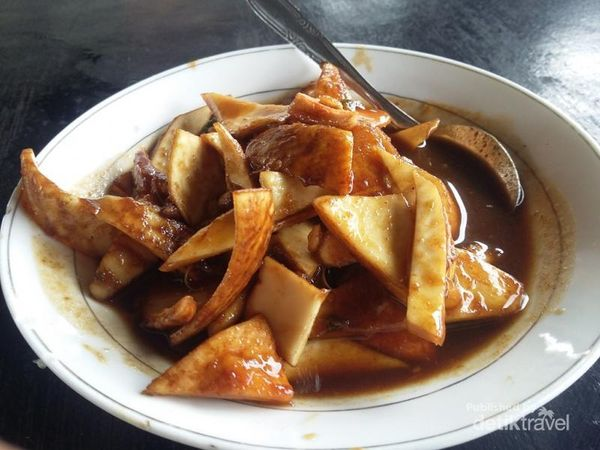 Cicipi Lincah U Groh, Kuliner Rujak Kelapa Muda Dari Aceh