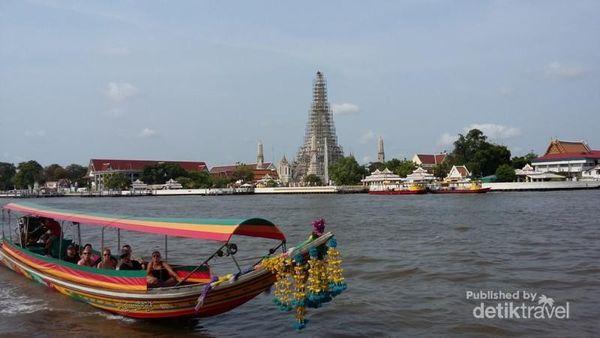 Belanja Oleh-Oleh Di Wat Arun Thailand, Bisa Pakai Rupiah!