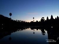Cantiknya Sunrise Khas Indochina di Angkor Wat