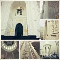 Kolase foto keindahan masjid