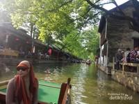 Melewati kanal kuno