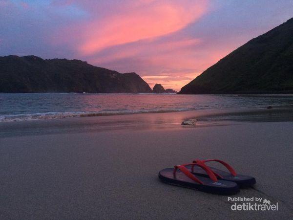 Seharian Di Lombok, Bisa Kunjungi Aneka Pantai Ini
