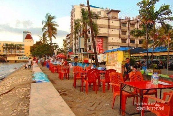 Menanti Sunset Dan Makan Pisang Epe Di Pantai Losari Makassar