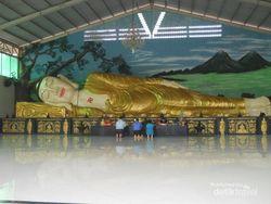 Weekend ke Bogor Bisa Lihat Patung Buddha Tidur dan Air Terjun Cantik