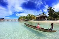 Sekitar wilayah homestay di Pulau Arborek, Raja Ampat