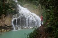 Lukas, warga lokal yg mengantarkan saya hingga sampai di air terjun Lapopu.