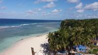 Pantai Marumasa, pantai yang terkenal akan banyaknya spot selfie dengan view lautan dan pantai berpasir putih yang cantik