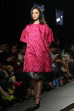 Putri Keraton Solo Menikah dalam Balutan Kebaya Karya Didiet Maulana