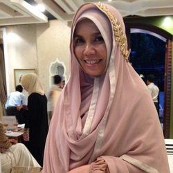 Berawal dari Door to Door, Irna Mutiara Kini Punya 30 Butik Hingga ke Malaysia