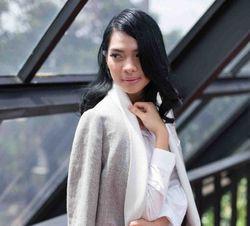 Pengalaman Berkesan Dokter Cantik Mesty Ariotedjo Ketika Bertugas di Flores