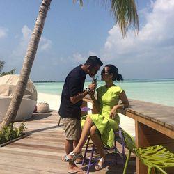 Cerita Atiqah Hasiholan Tentang Sosok Rio Dewanto yang Romantis
