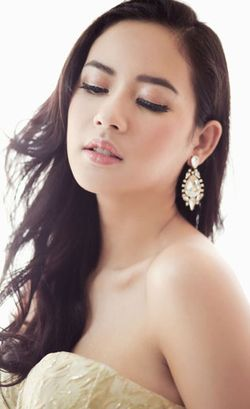 Kiat Puteri Indonesia 2014 Elvira Devinamira Rawat Rambut Tipisnya