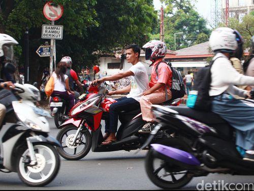 Transportasi Umum Minim, Di Daerah ada yang Perbolehkan Berkendara Tanpa SIM