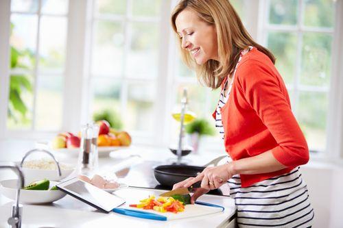 Rajin Masak dan Jarang Makan di Luar Terbukti Bikin Tubuh Lebih Langsing