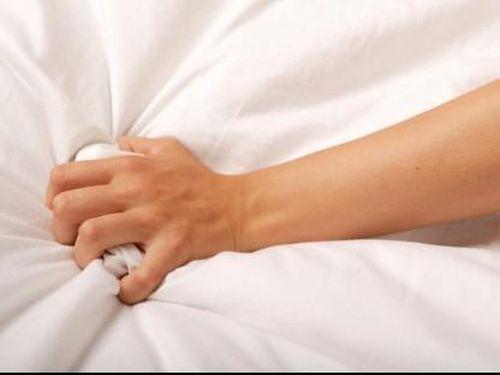 Mengapa Istri 'Beringas' Dan Suka Mencakar Saat Orgasme?