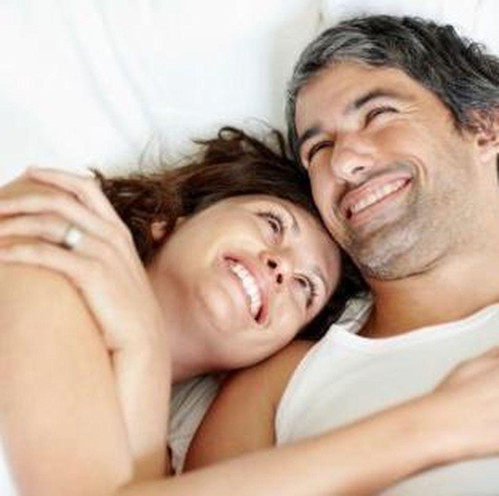 5 Tips Cara Mengajak Pasangan untuk Bercinta