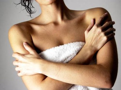 Cek Rutin payudara Dengan 3 Cara Mudah