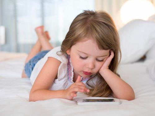 Image result for gadget dan tumbuh kembang anak
