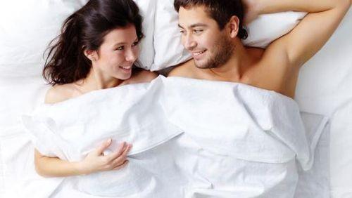 Mengapa Hasrat Seks Selalu Muncul Setiap Waktu Subuh?