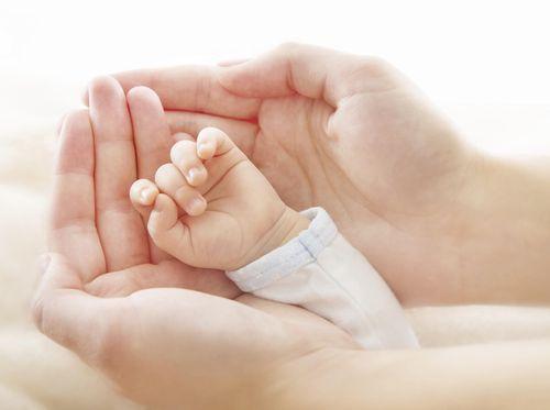 Bayi yang Alami Masalah di Otak, Bisakah Normal Kembali?