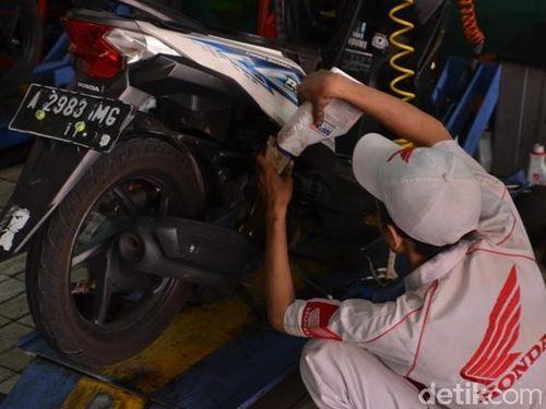 Soal Pelumas SNI, Honda: Penggunaan Pelumas Yang Terpenting SAE-nya