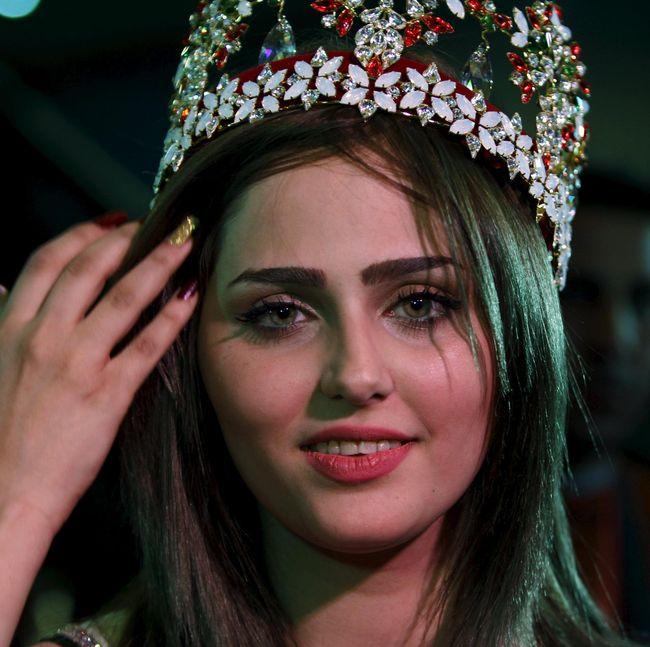 Foto Miss Iraq 2015 Tak Takut Diancam Karena Ikut Kontes