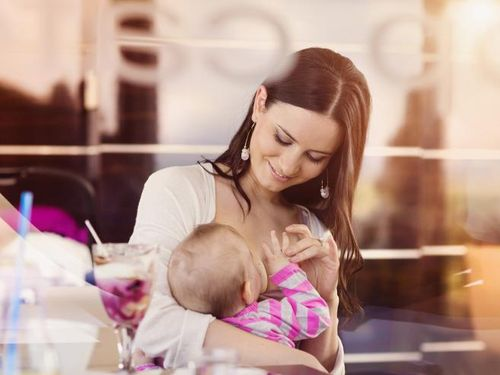 Muncul Kontraksi ketika Menyusui di Saat Hamil, Amankah?
