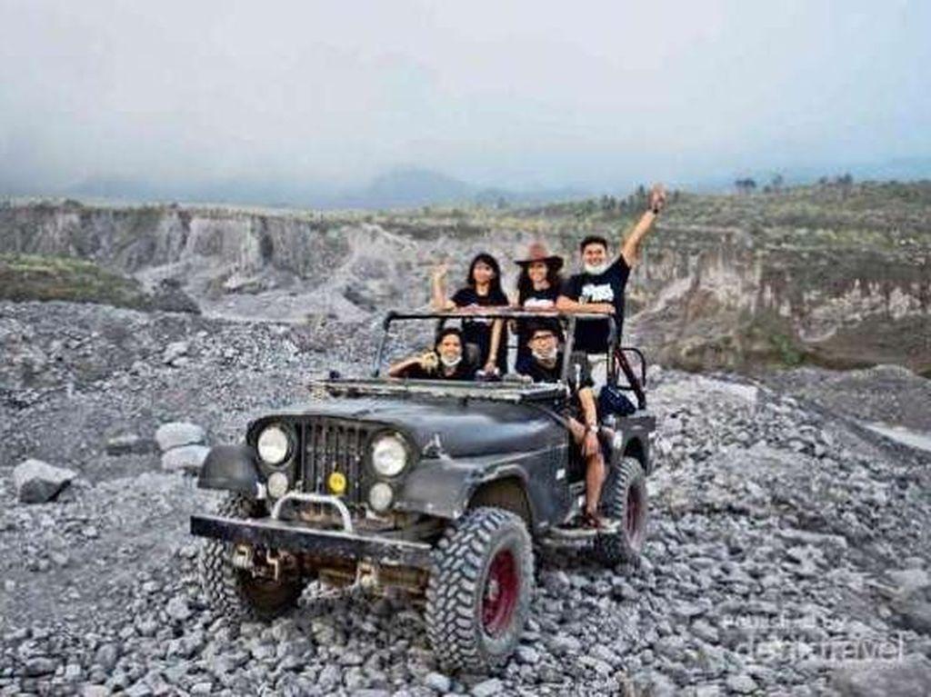 Wisata Foto Letusan Gunung Merapi di Kaliadem