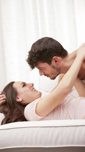 5 Trik Berbusana untuk Menggoda Pasangan Bercinta