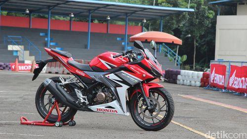 Honda CBR150R, Motor Terbaik Versi Wartawan Indonesia