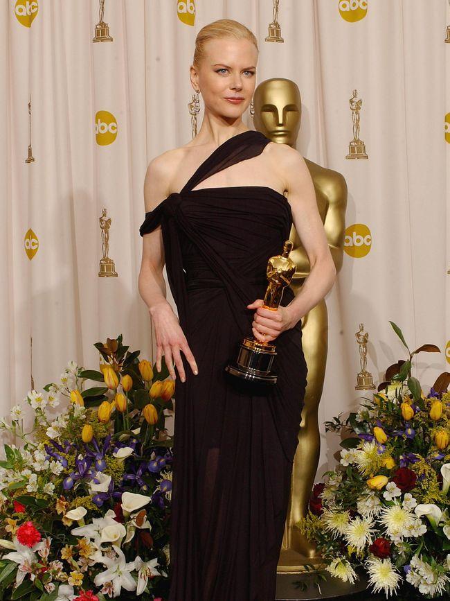 Deretan Aktris Bergaun Terbaik Saat Menerima Oscar