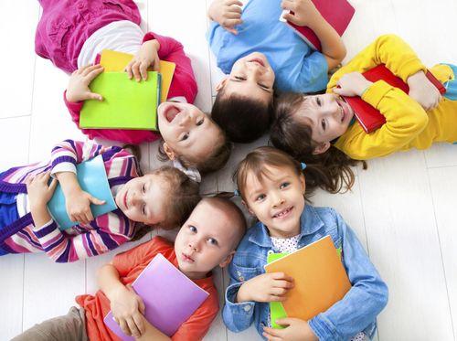 Studi Sebut Anak Pertama Cenderung Lebih Pintar, Ini Alasannya