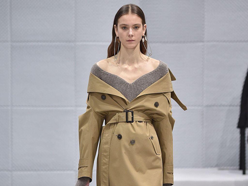 8 Trik Manfaatkan Baju Lama Agar Tampil Sesuai Tren dari Pekan Mode 2016