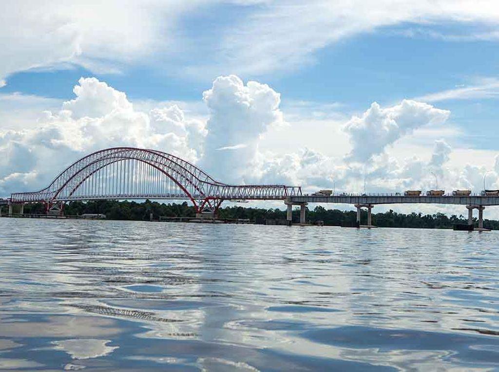 Pak Kasih Tayan, Jembatan Baru Terpanjang di Kalimantan