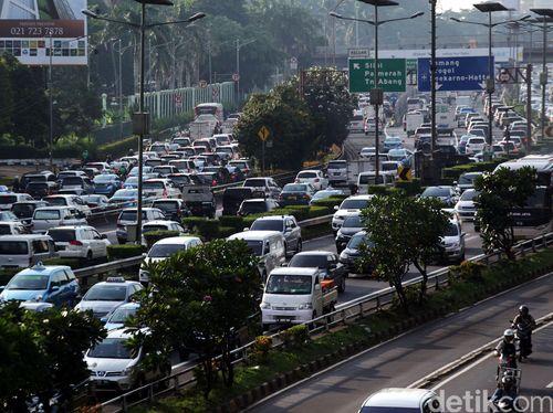 Transportasi Umum Jelek, Orang Indonesia Beli Motor karena Terpaksa