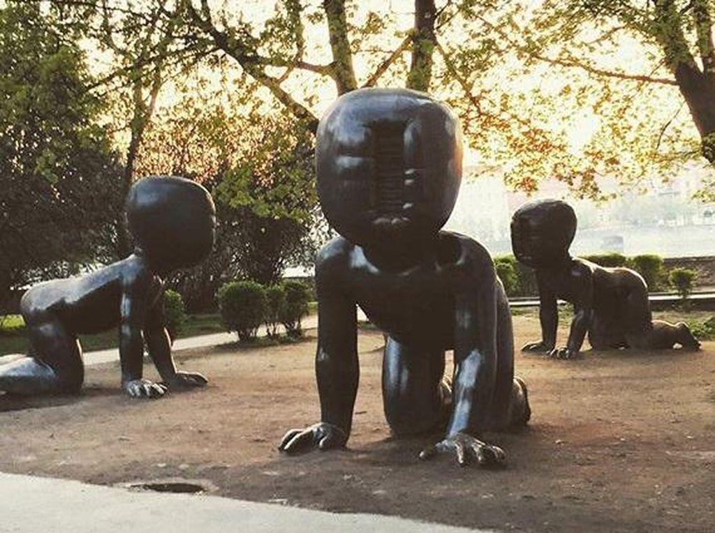 3 Patung Bayi yang Mengerikan di Eropa