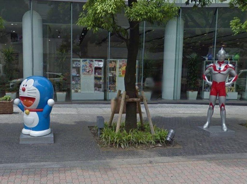 Tokyo Punya Kumpulan Patung Superhero dan Anime