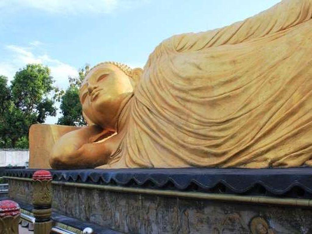 Tak Usah ke Thailand, Indonesia Juga Punya 5 Patung Buddha Tidur