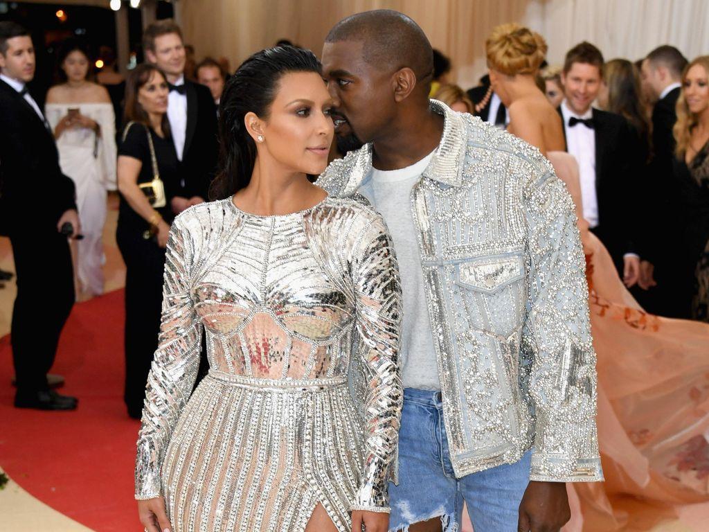 Kanye West Beri Hadiah Berharga Untuk Ulang Tahun Kim Kardashian: Video