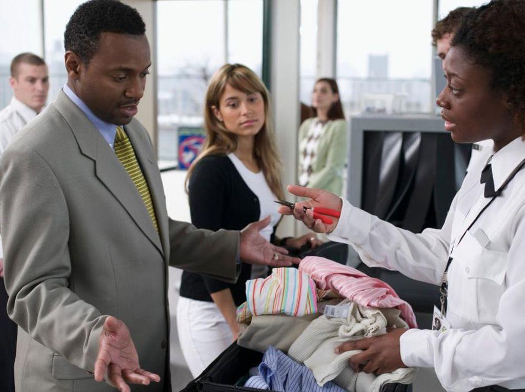 5 Traveler Menyebalkan yang Kamu Temui di Bandara