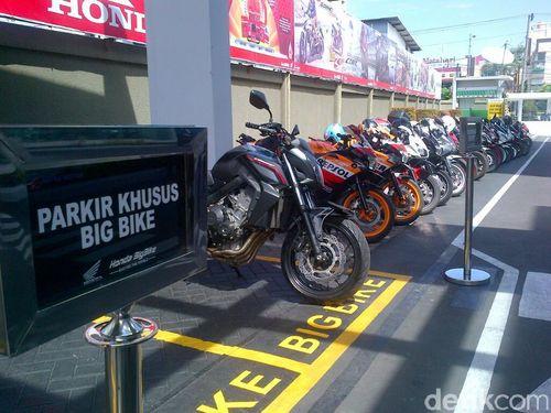 Puluhan Moge Honda Siap Jelajah Thailand-Malaysia