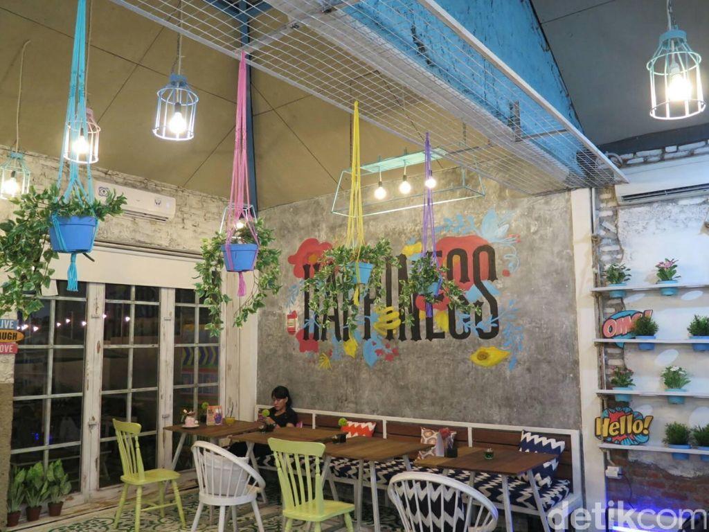 Happiness, Kafe Kekinian yang Instagramable di Jagakarsa