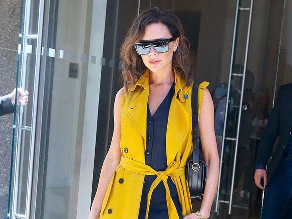 Kuning Jadi Tren Warna Favorit Victoria Beckham di Musim Panas