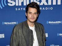 John Mayer juga pernah mengalami masalah padahal vokalnya dan divonis granuloma, peradangan pada laring. Ia membatalkan sejumlah turnya dan beristirahat selama dua tahun karenanya. (Foto: Jamie McCarthy)