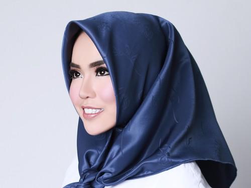 Kisah Jatuh-Bangun Medina, Hijabers Muda yang Raup Miliaran Rupiah Tiap Bulan