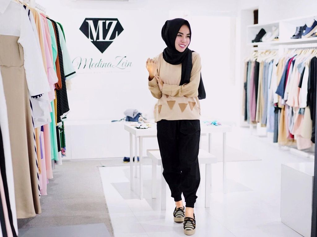 Cerita Inspiratif Medina Zein, Dirikan Bisnis Travel Demi Umrahkan Karyawan