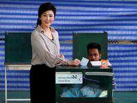 Mantan Perdana Menteri Thailand Yingluck Shinawatra gagal hadir dalam keputusan sidangnya terkait kasus subsidi beras. Sang pengacara menyebut Yingluck tak bisa hadir karena terserang vertigo, namun sampai sekarang tak diketahui keberadaannya. (Foto: Chaiwat Subprasom/Reuters)